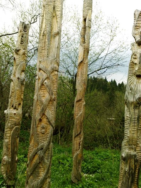 скульптури з дерева