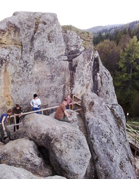 скелі Тустань