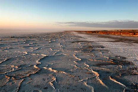 солоне озеро Борса Келмас