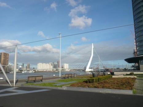 Дамба на Ротте. Роттердам. Голландія Dam of Rottach. Rotterdam. Holland