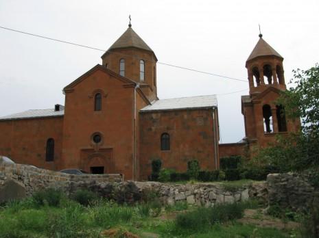 Єреван. Храм