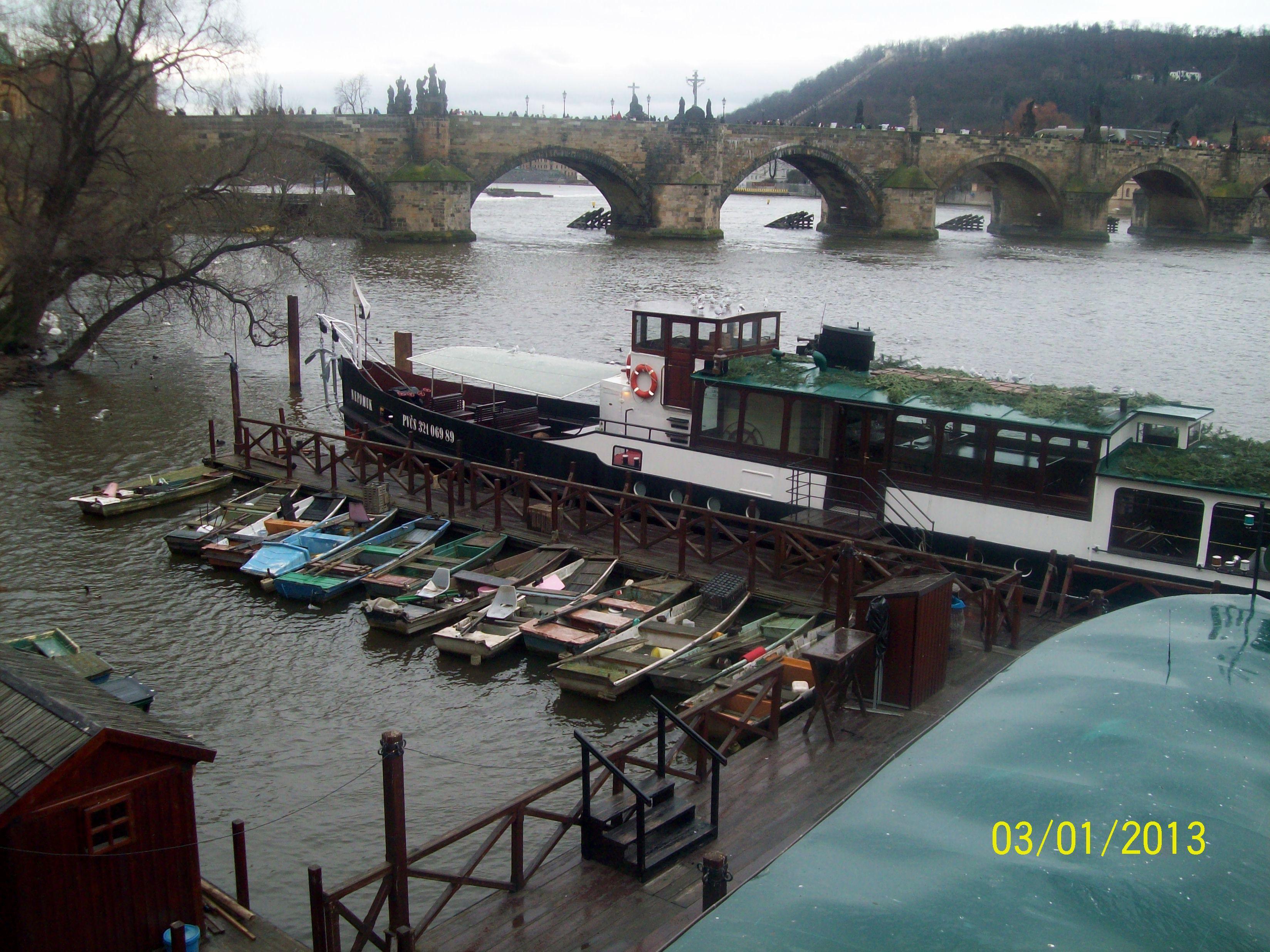 Зимова Прага, Карлів міст